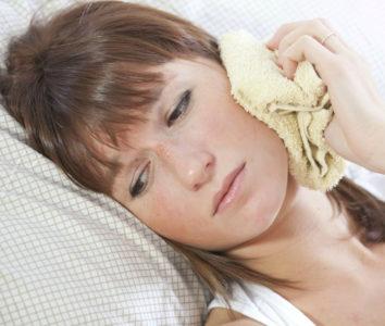 Что означает ощущение переливания жидкости в ухе?