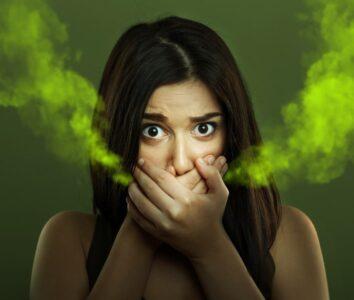 Боремся с галитозом правильно